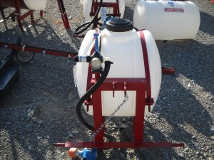 NEW 30 GAL SPRAYER W/ HAND GUN, W/ PUMP Image