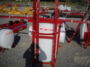 65 GAL SRAYER W/20FT BOOMS, W/ PUMP  Image