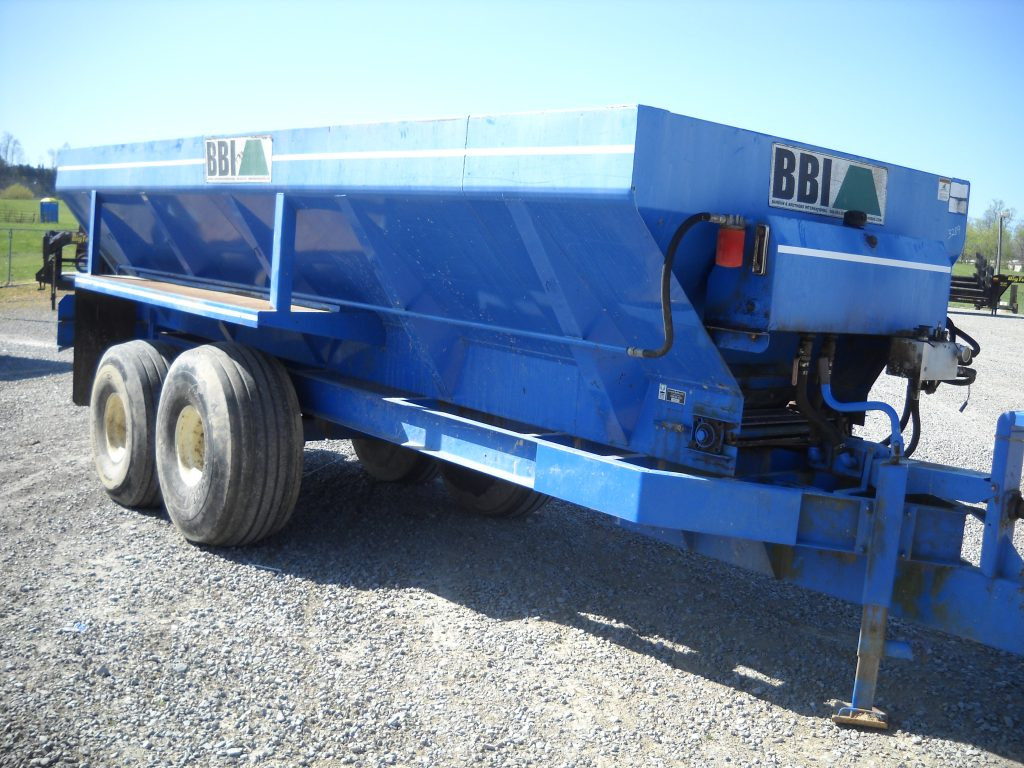BBI CHICKEN MANURE SPREADER Image