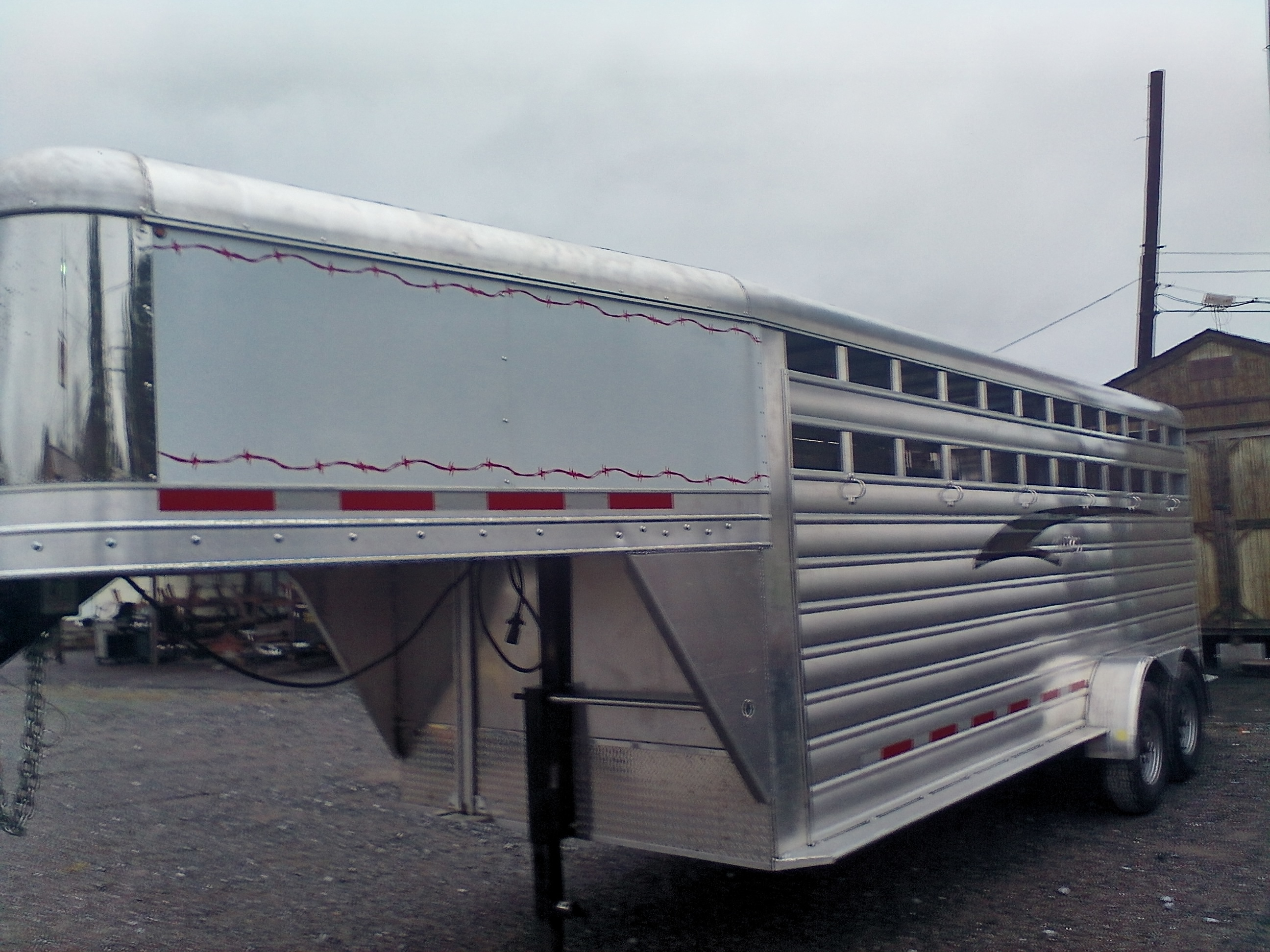 NEW 20 FT. ALUMINUM G.N. STOCK TRAILER Image