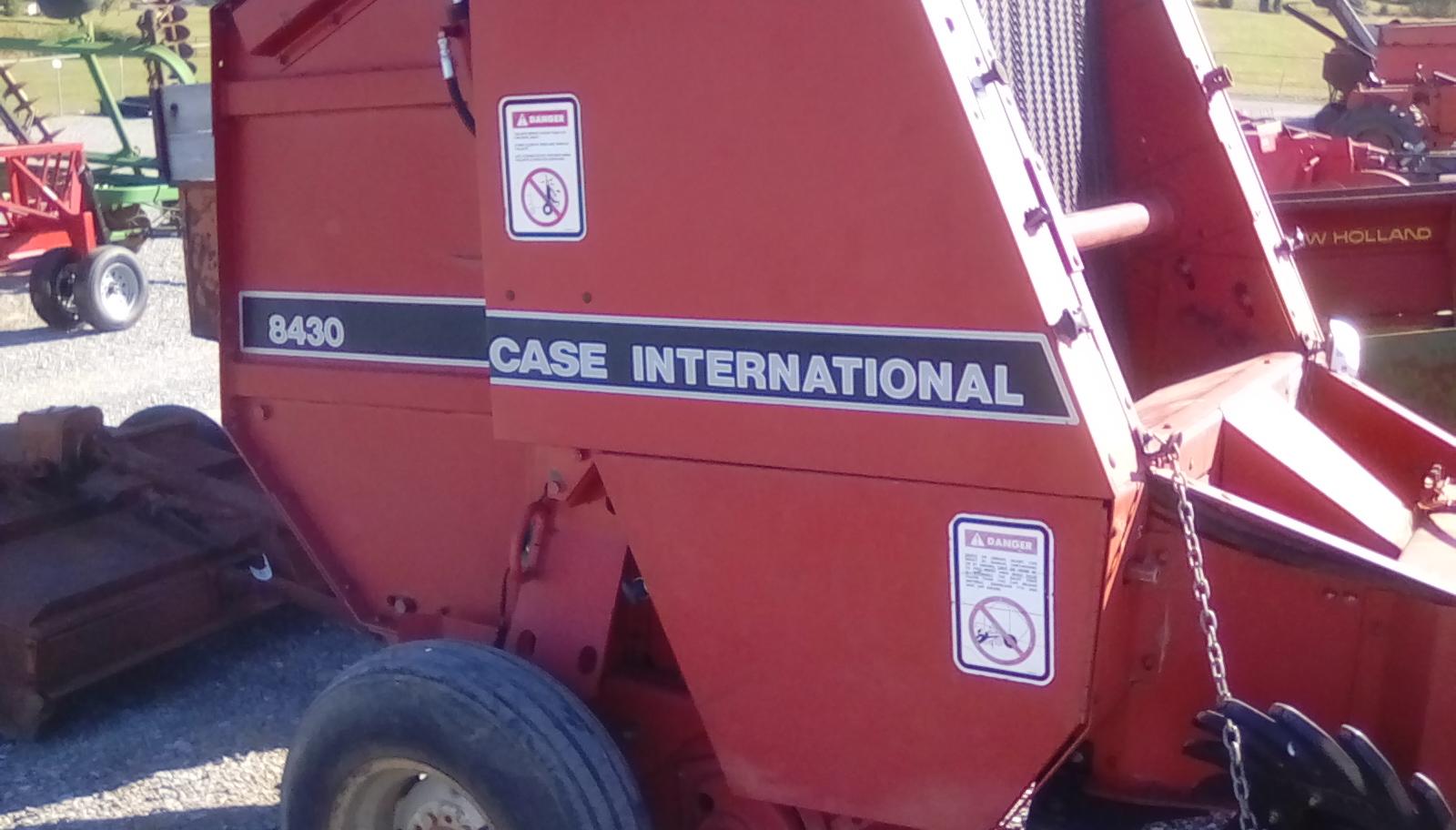 CASE 8430 IHC ROUND BALER Image