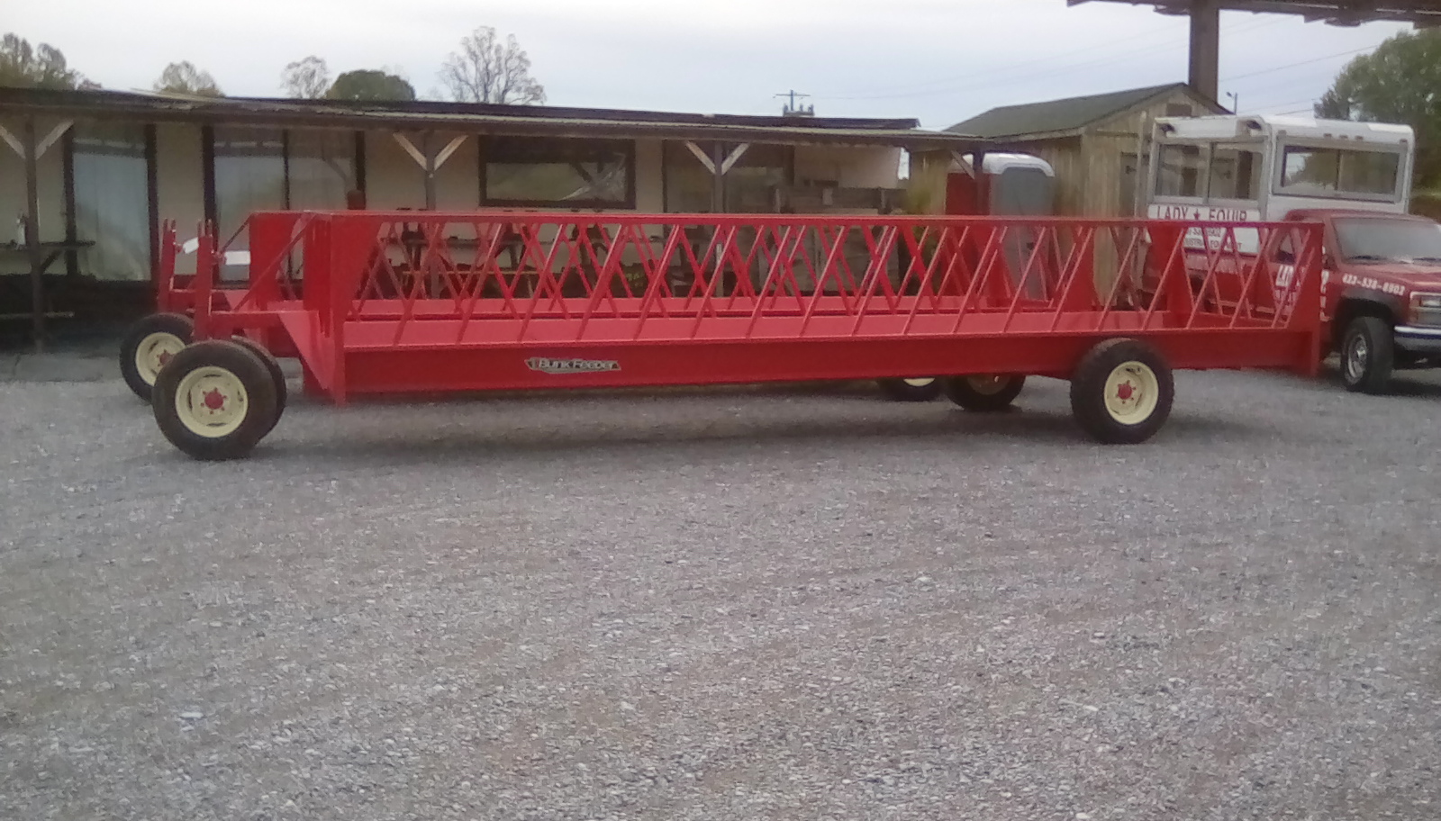 FEEDER WAGON 24 FOOT W/ END GATE (NEW) Image