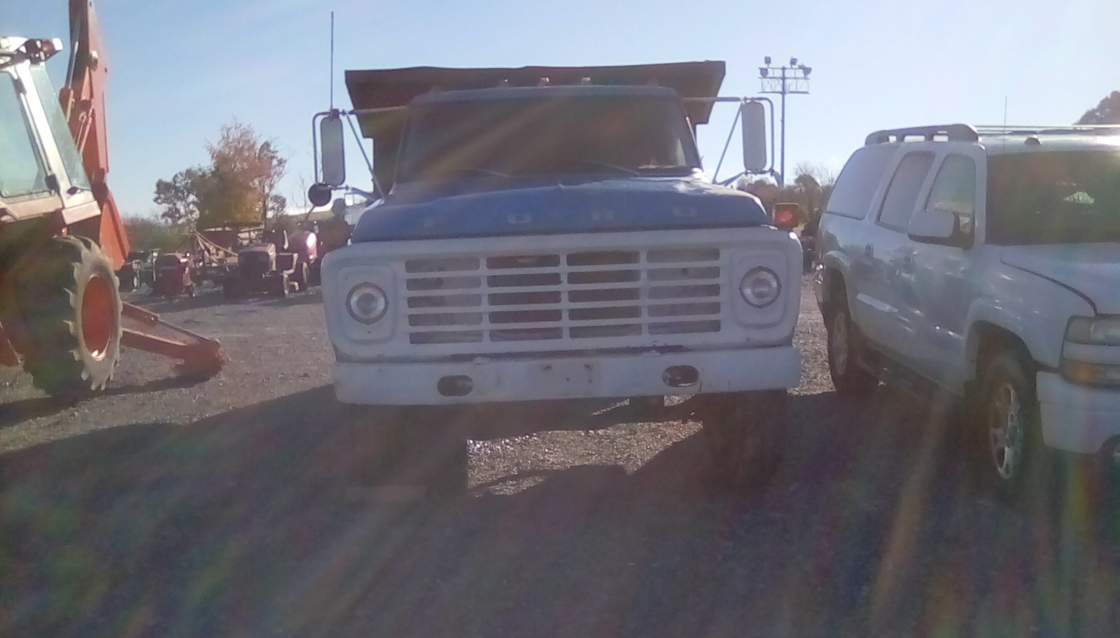 1976 FORD F700 DUMP TRUCK Image