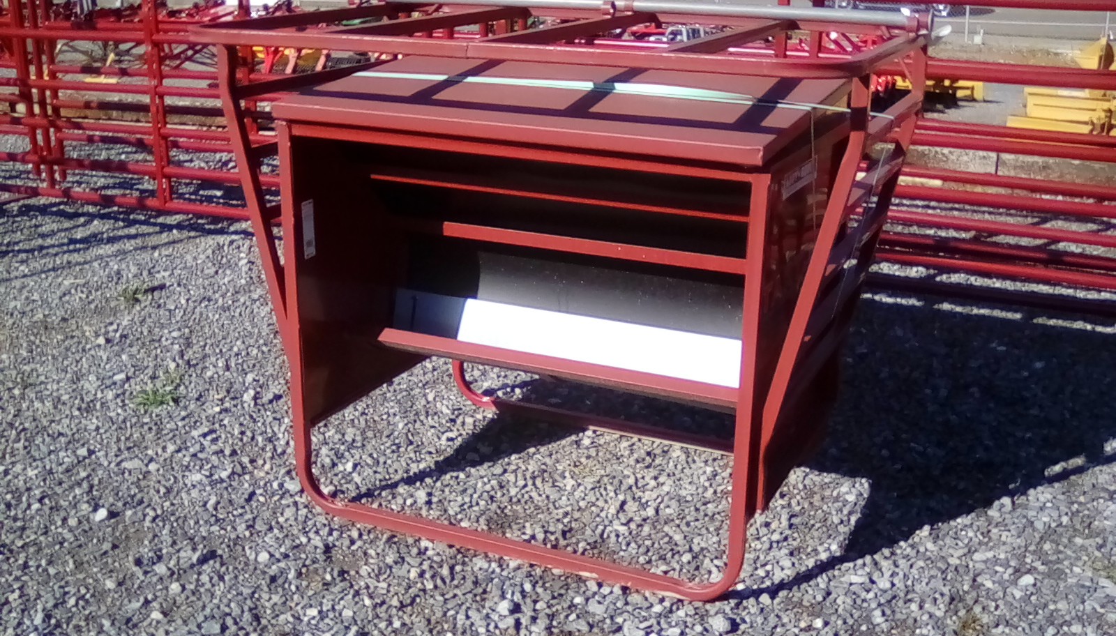 TARTER 650 POUND CALF CREEP FEEDER Image