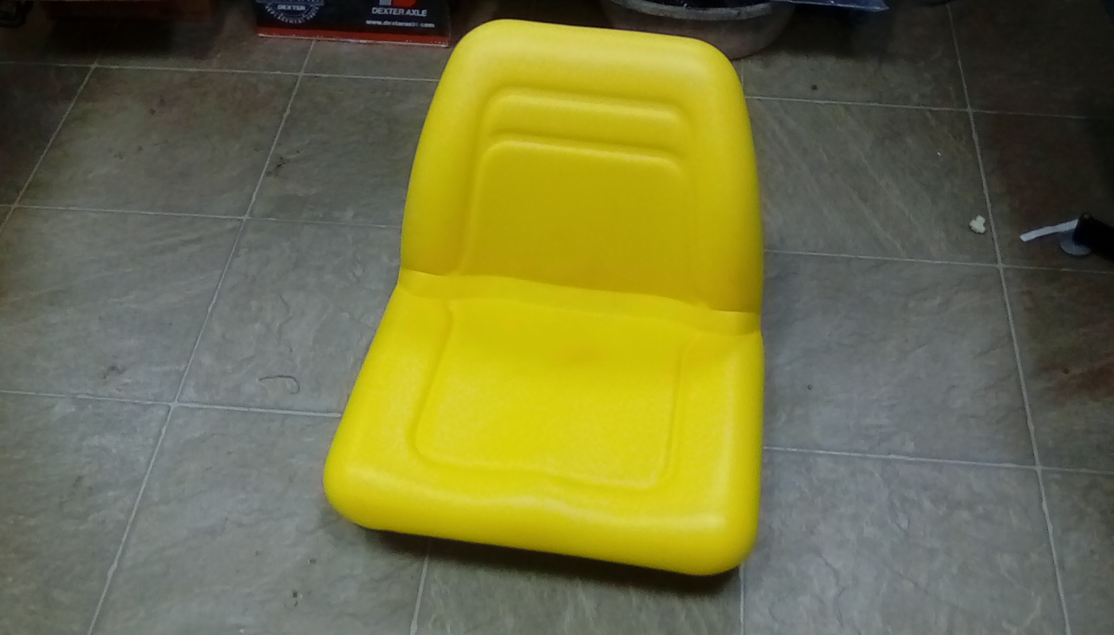 A&I TRACTOR SEAT MICHIGAN STYLE YELLOW (NEW) Image