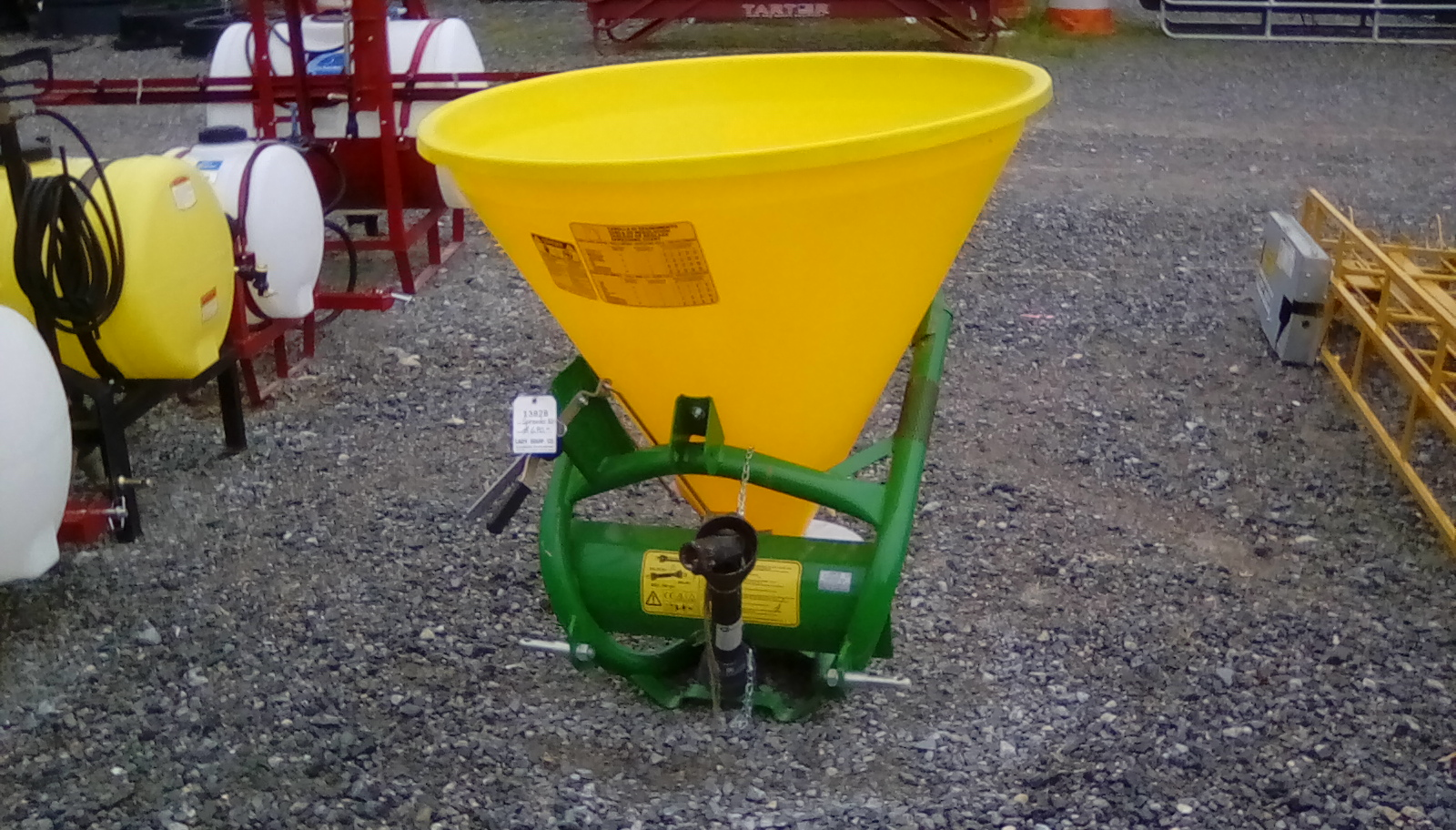 FERTILIZER / SALT SPREADER Image