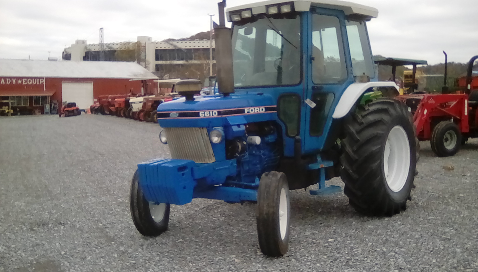 FORD 6610 TRACTOR Image