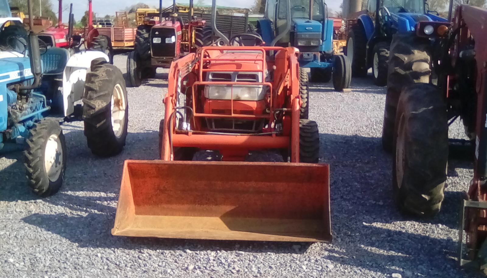 KUBOTA L4200 4 X 4 W/ FRONT END LOADER Image