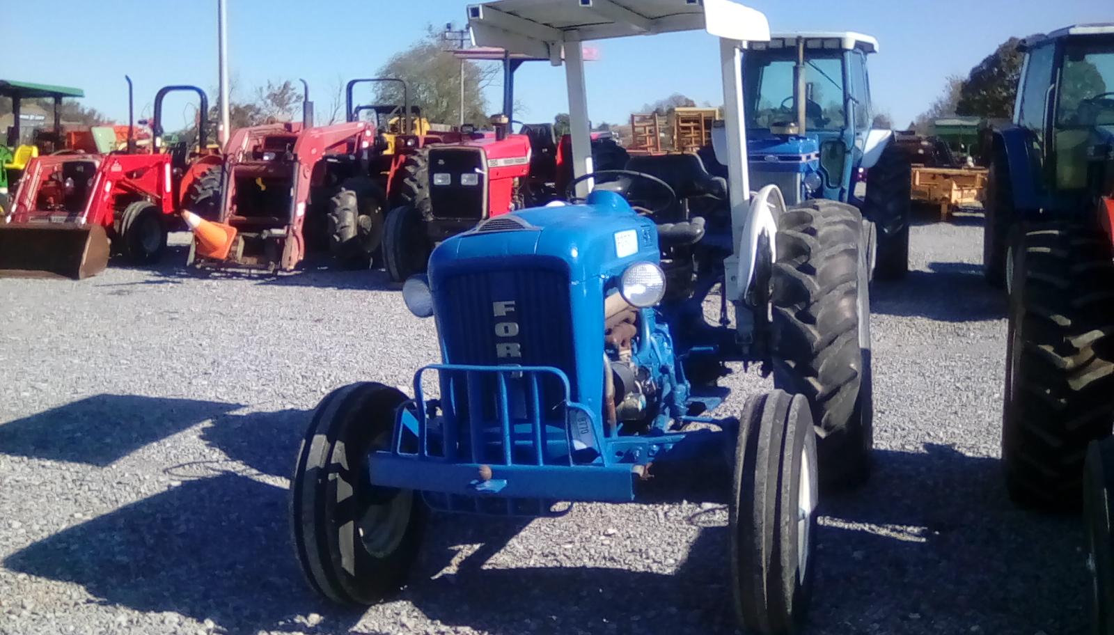 FORD 4000 TRACTOR Image