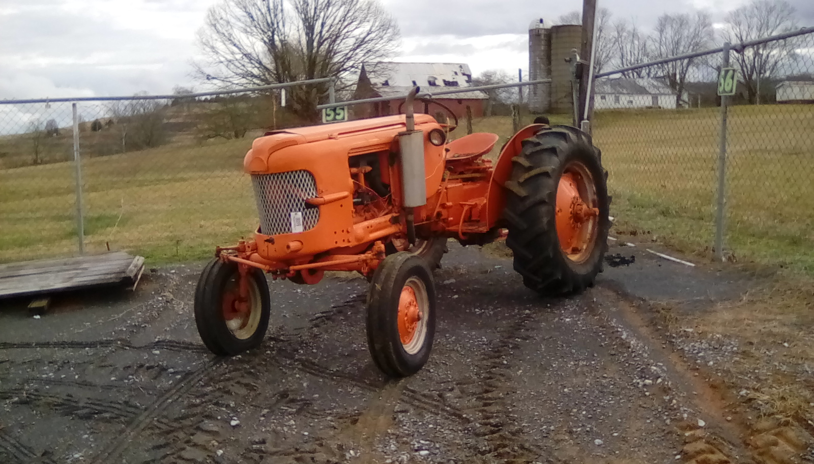 ORANGE CASE 311 TRACTOR Image