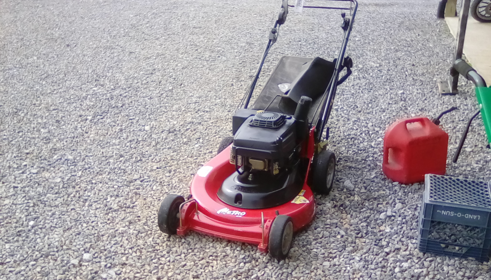EXMARK SELF PROPELLED MOWER Image