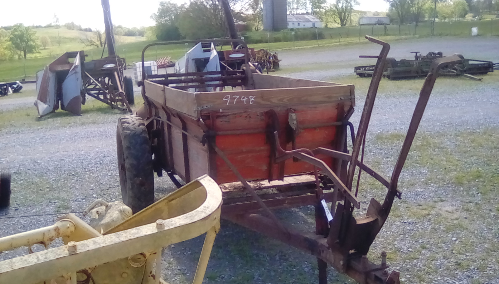 NEW IDEA MANURE SPREADER Image