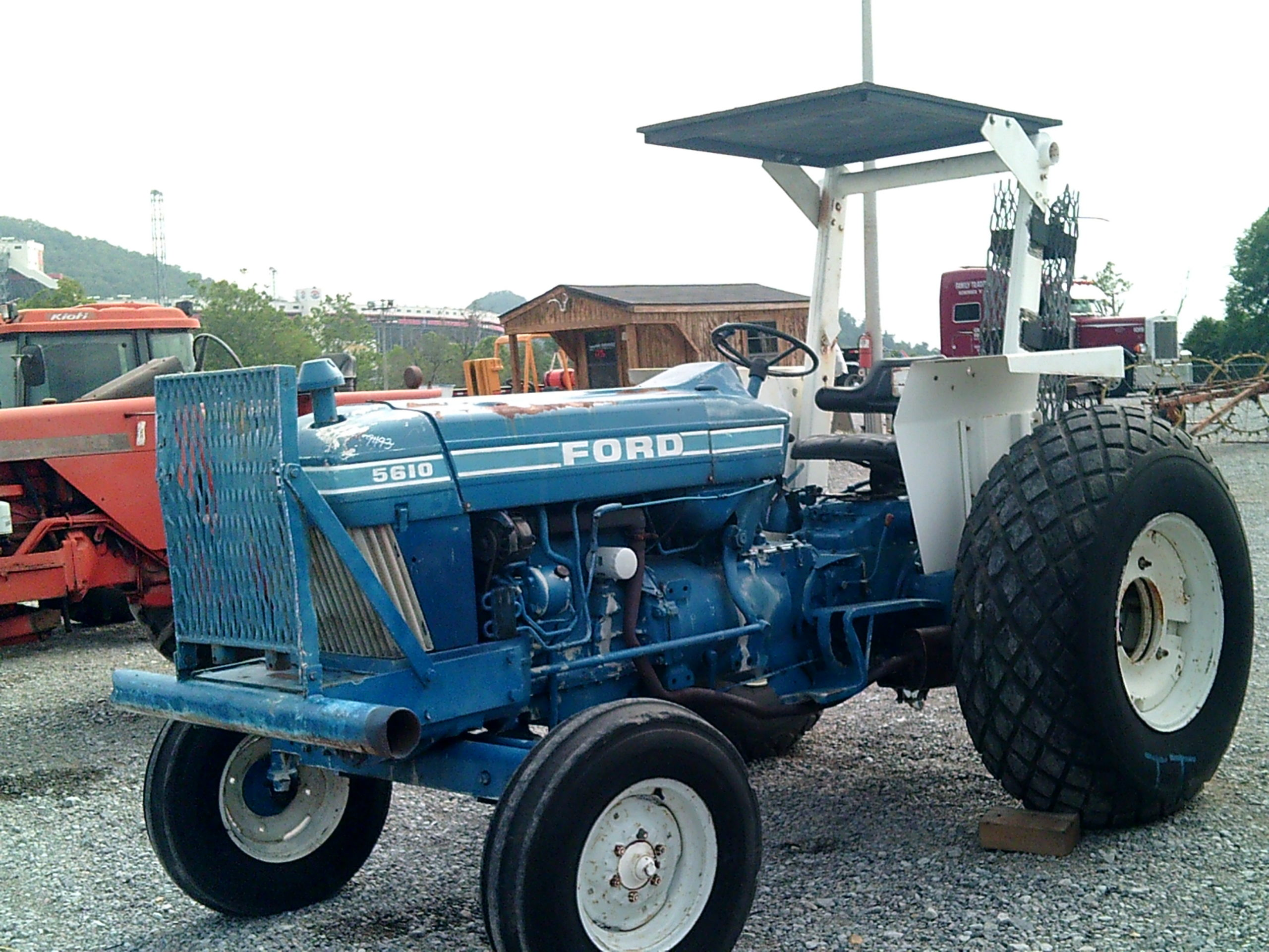 FORD 5610 TRACTOR Image
