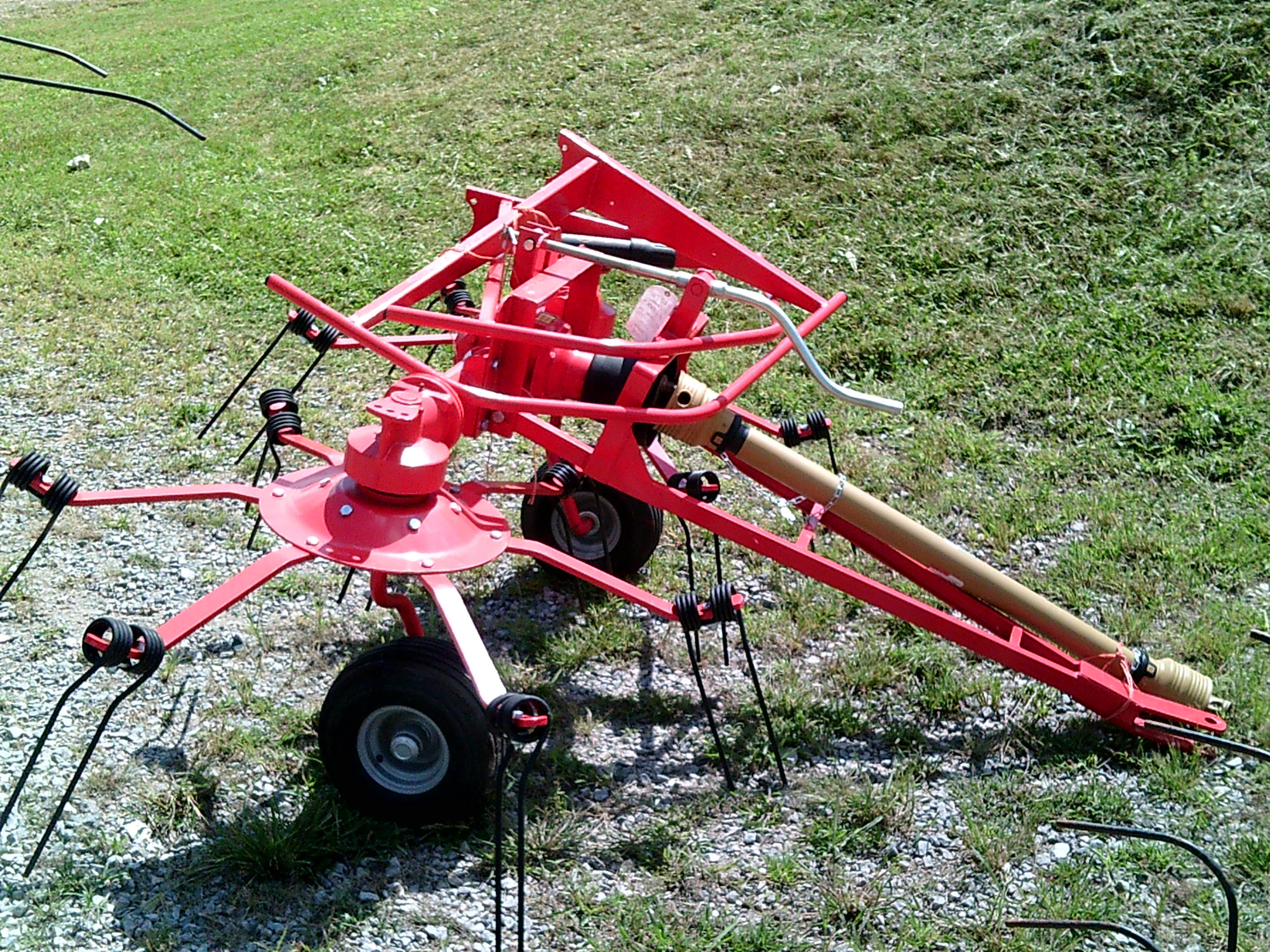 9 FOOT 2 BASKET TEDDER (NEW) Image