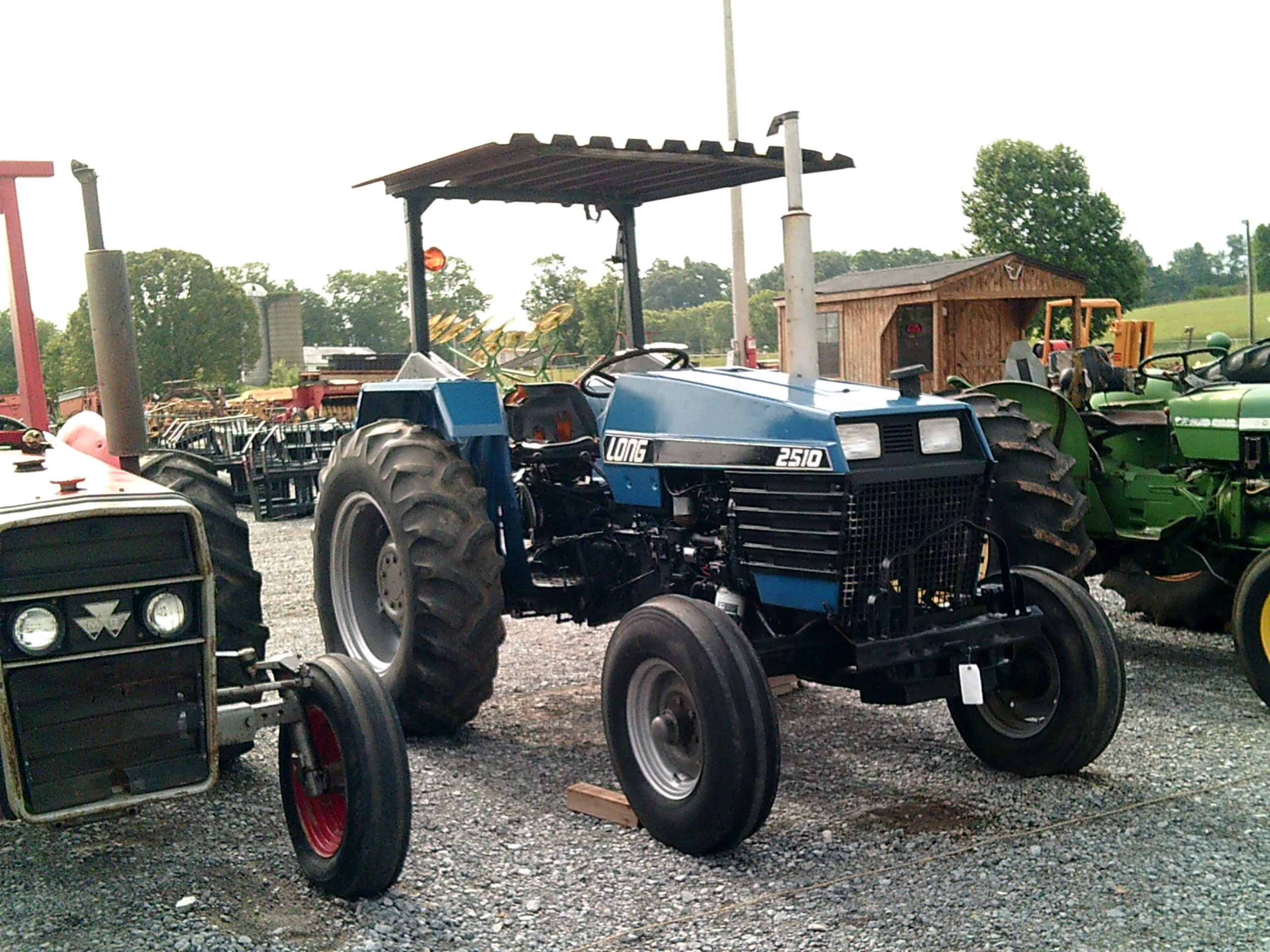 LONG 2510 TRACTOR Image