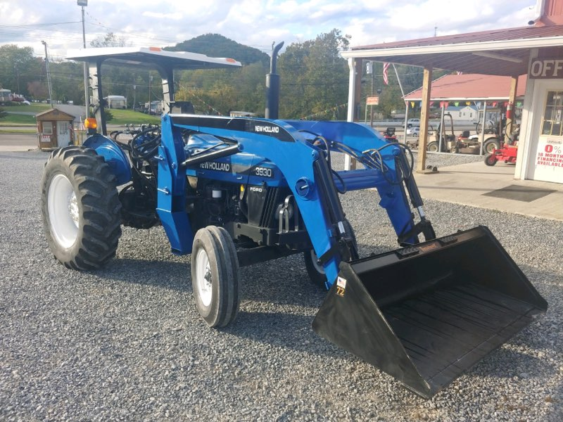 NEW HOLLAND 3930 TRACTOR W/ FRONT END LOADER Image