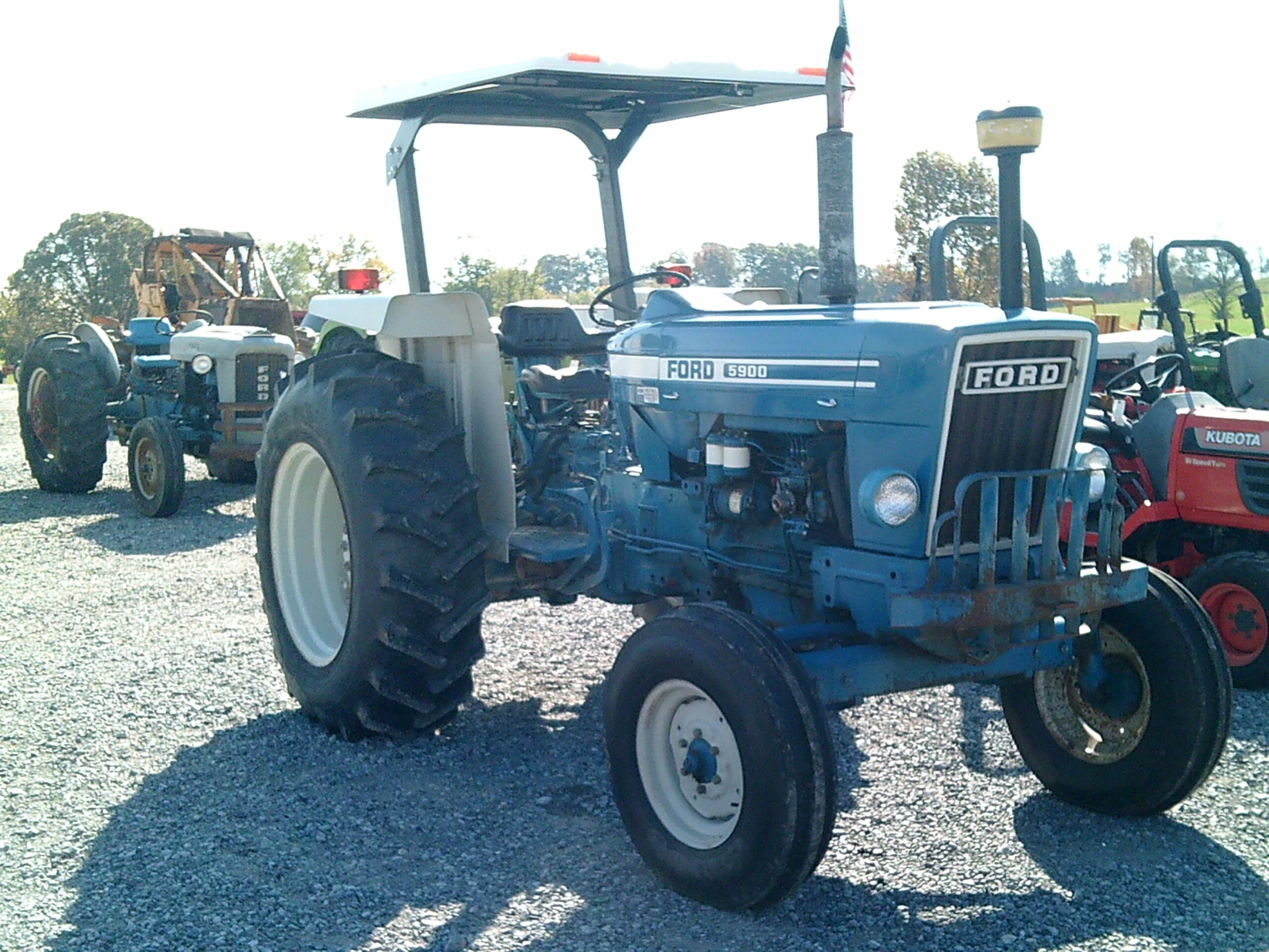 FORD 5900 TRACTOR Image