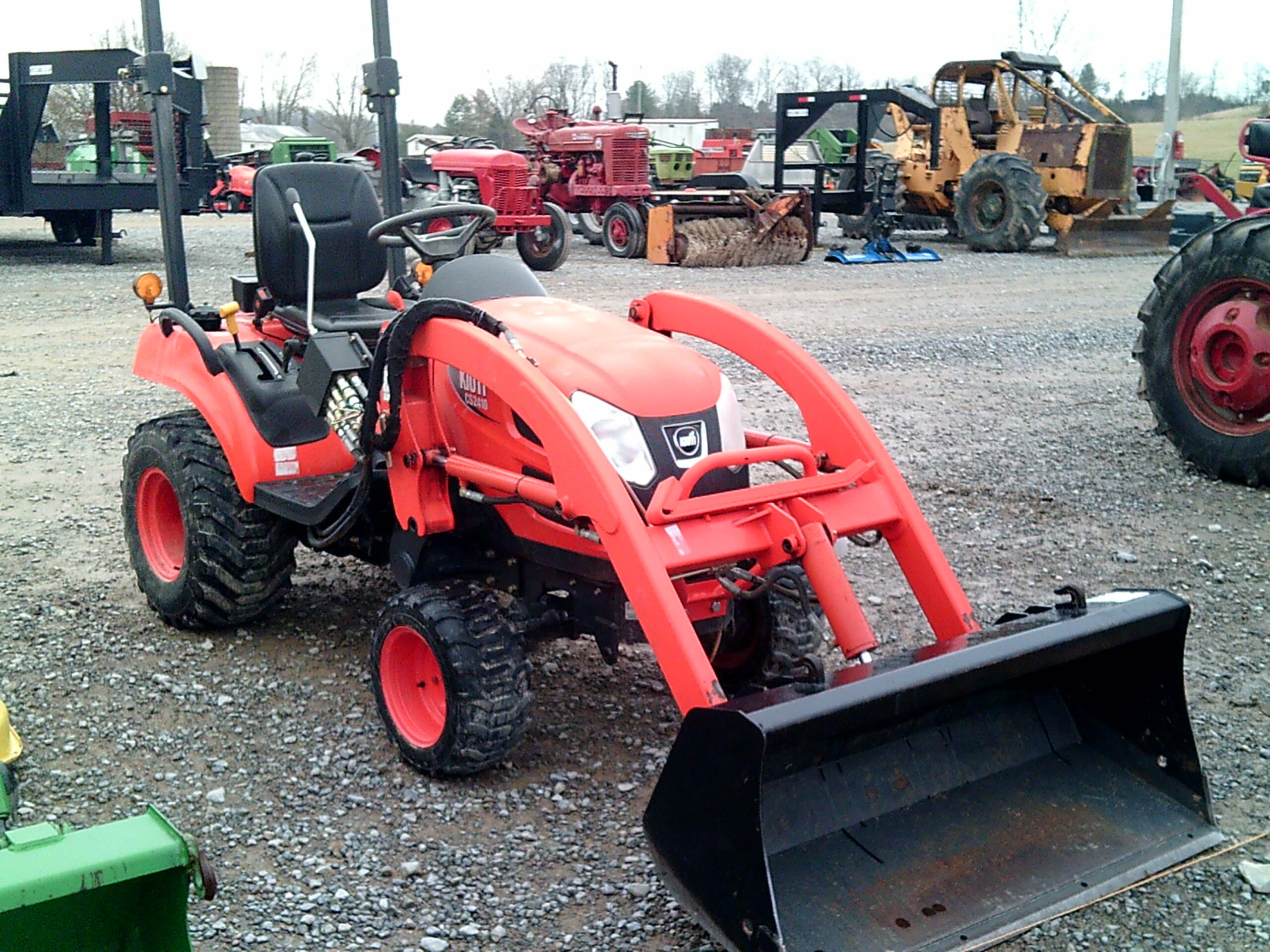 KIOTI CS2410 4X4 WITH FRONT END LOADER Image