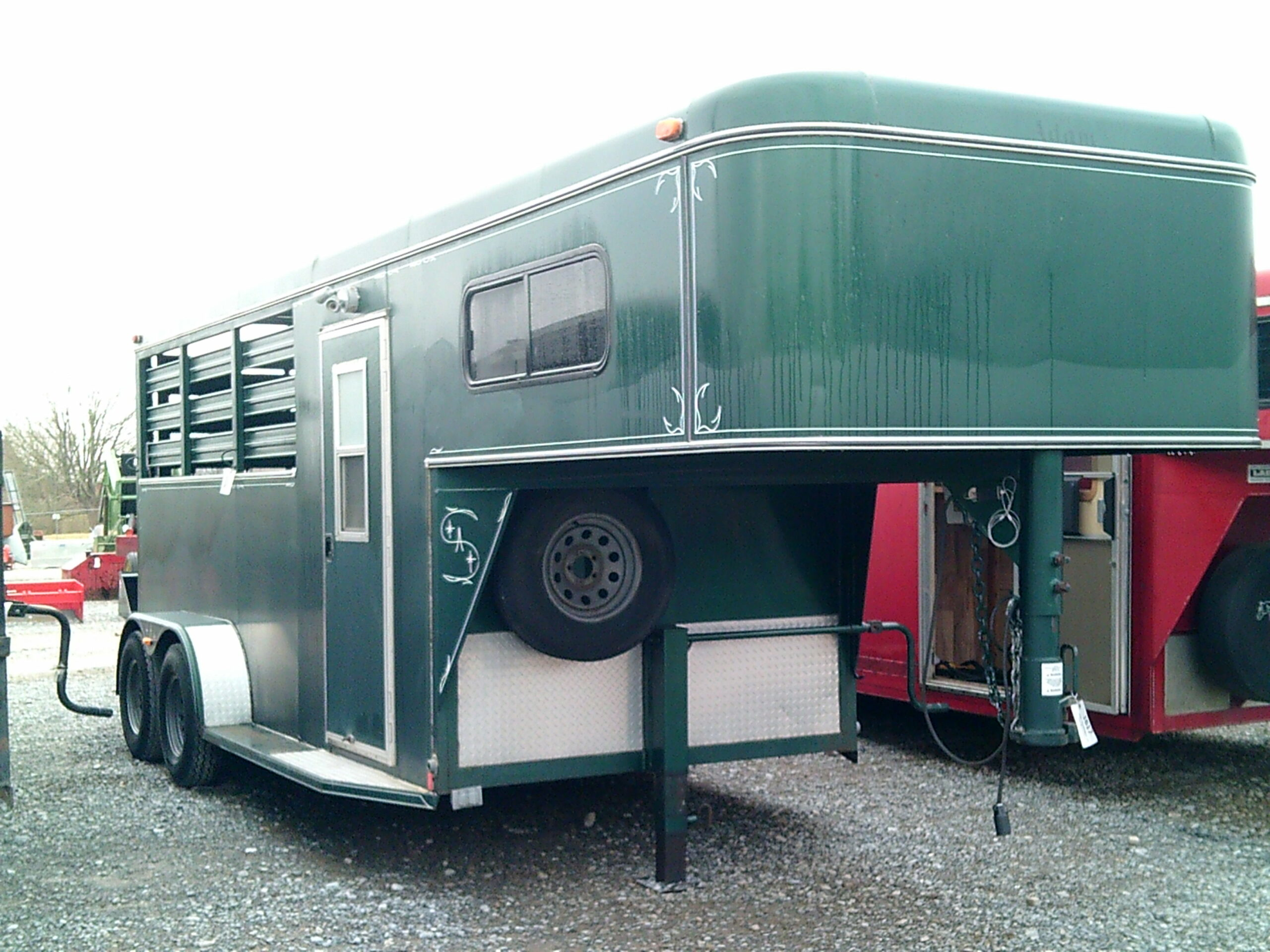 GREEN HORSE TRAILER 16 FOOT Image